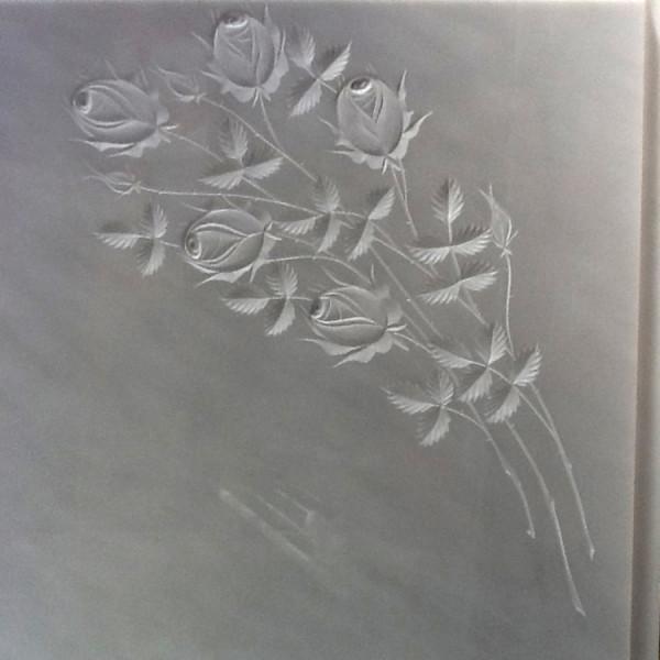 Fiori incisi su lapidi trattamento marmo cucina for Sculture di fiori